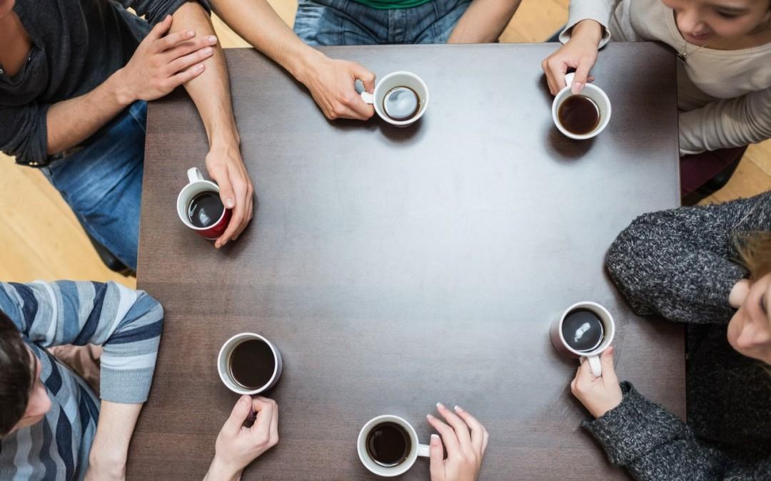 Mais cafézinhos, por favor!